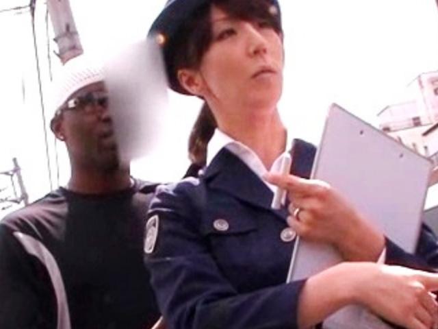 [澤村レイコ]婦人警官が職質した黒人に襲われデカチン生ハメで悶絶絶頂!オマンコ壊れちゃうぅぅ