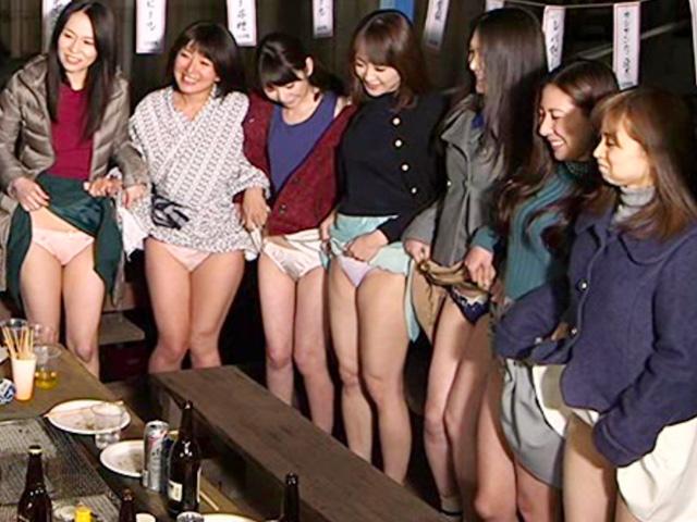 [人妻ナンパ]慰安旅行の人妻たちと合コンで盛り上がって乱交パーティ!熟れた女たちとしっぽり...