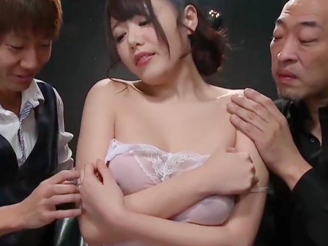 [浜崎真緒]めちゃくちゃ美人な奥さんが調教され変態SEXの虜に..もっと欲しいと肉棒懇願!