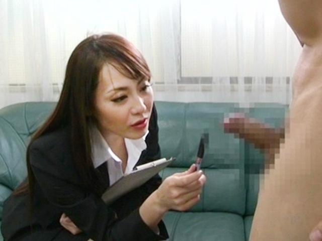 [熟女]ドS淫乱痴女にケツ穴責められ発情!責められまくって顔面放尿までされ屈辱絶頂!