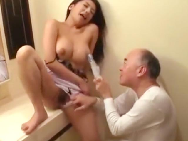 [松本メイ]義父に悪戯され発情しちゃった淫乱美人妻がドスケベSEXで悶絶昇天!